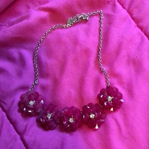 Necklace with chunky flowers